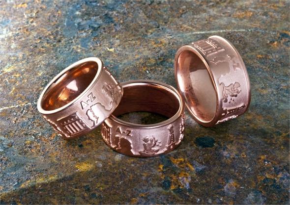 Juwelier_Range_Grimmring_Rosevergoldet_3_Gruppe