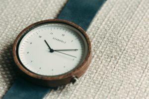 Kerbholz! Neue Uhren aus Holz